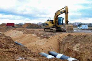 excavatrice-caterpillar-chantier-construction